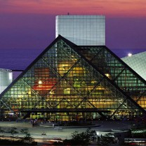 1986: Rock and Roll Hall of Fame and Museum